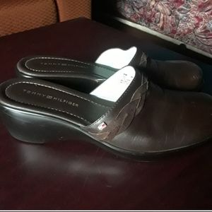 Tommy Hilfiger brown leather clogs mules sl